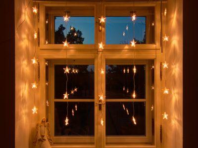 interiér. záves-hviezdičky
